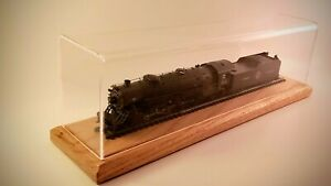 "18"" Long HO Scale Model Train Display Case"