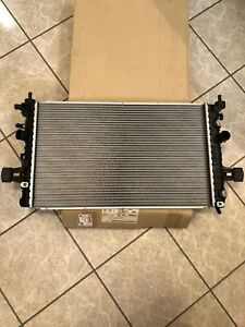 13170111 NOS OEM GM Radiator fits 08-09 Saturn Astra
