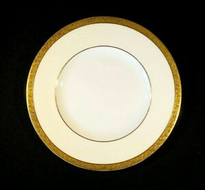 Beautiful Minton Buckingham K159 Dinner Plate