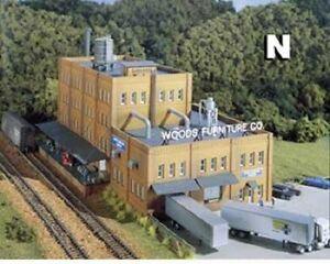 WOODLAND SCENICS DPM GOLD - WOODS FURNITURE CO. BUILDING Kit N 66000