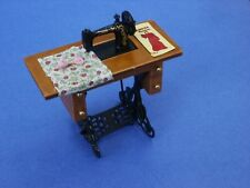 Miniature Dollhouse Sewing Machine With Cloth 1:12 Scale New
