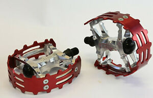 """Old School BMX Beartrap Pedals Red - 1/2"""" for 1 piece cranks"""