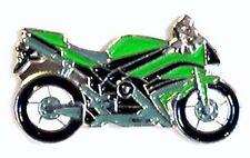 MOTORBIKE - PIN BADGE - GREEN BIKE BIKER MOTORCYCLE  (NB-16)