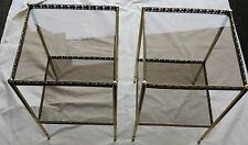Paire de  bouts de canapés en bronze 36 x 36 ,2 plateaux verre fumé avec galerie