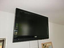 Philips LCD TV 32 zoll 32PFL3312/10 Fernseher mit Wandh.