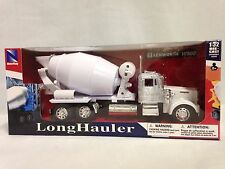Kenworth W900 Cement Mixer Truck, 1:32 Diecast Collectible By New Ray White