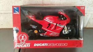 Casey Stoner. Ducati Desmosedici. 2008  1/12 Newray