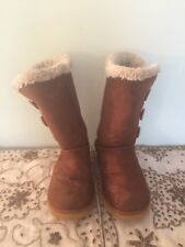 UGGs chestnut brown size woman's s 6
