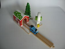 CHRISTMAS CRANE FOR WOODEN TRAIN TRACK ( Candy Thomas Cranky ) NEW BOXED