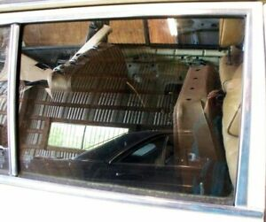 Mercedes Door Window Glass Rear Right W123 Wagon '77-'79 w/ Nice Bracket