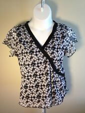 Lane Bryant Women's Black Gray White V-Neckline Short Sleeve Top (Size 14/16)