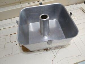 Vintage WEAR-EVER 9x9 Square Aluminum 2pc Bundt Tube Angel Food Pan #2740 USA