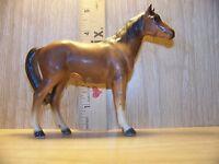 DARK CHESTNUT QUARTER HORSE LEFTON PORCELAIN CERAMIC MADE IN JAPAN HA871