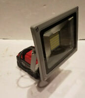 New Milwaukee M18 18v Compact Battery Floodlight Torch Light Pure White 27W 30W