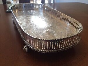 SUPERB VINTAGE SILVER PLATED CHASED GALLERIED BIRDS CLAW FOOTED DRINKS TRAY