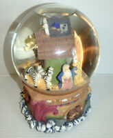 "NOAH'S ARK Water Globe Glitter Snow Musical Plays ""The Green Grass of Home"" - LN"
