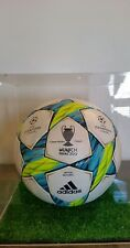 Final matchball imprint Champions League Gold Munich 2012 match Adidas ball Uefa