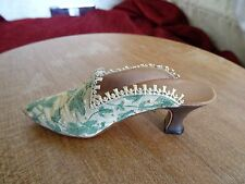 Just The Right Shoe collectable Touch of Lace 1999