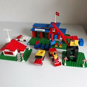 LEGO LEGOLAND VINTAGE 355 CENTRE VILLE GARAGE MAISON GRUE 4 VEHICULES COMPLET