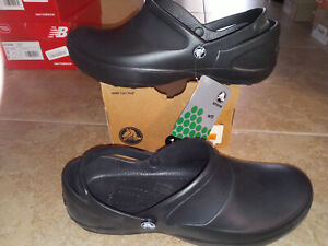 NEW $44 Womens Crocs Mercy Work Shoes, size 11                DEFECT