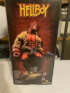 SIDESHOW HELLBOY PAINTED COLOR STATUE 23/200 Mindzeye Studios