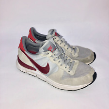 new product db05d 6c158 NIKE Internationalist scarpe numero 42,5 UK 8 grigie logo Bordeaux