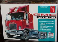 AMT 1140  GMC ASTRO 95 Cabover Truck plastic model kit 1/25