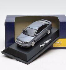 Schuco Klassiker Opel Vectra GTS Limousine in silbergrau, 1:43, OVP, 99/32