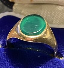Superb Mens 9ct gold signet Ring With Green Hard stone Centre