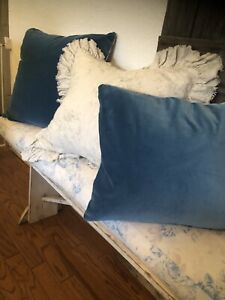 Rachel Ashwell Shabby Chic Couture RARE VELVET Pavilion Blue Pillow 24x25 Nw 1OF