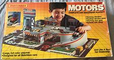 1984 MATCHBOX MOTORS CAR DEALERSHIP GARAGE SERVICE PLAYSET IN PACKAGE No. 550112
