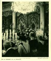 Publicité ancienne l'heure des toasts, écoutés debout par le 1938 issue magazine