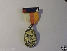 Médaille religieuse Lyon Vallée du Rhône Pelerinage à  Lourdes
