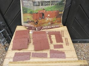 Vintage 70s era Timpo Wild West Outpost / Timpo Fort .Tatty box with Fort parts