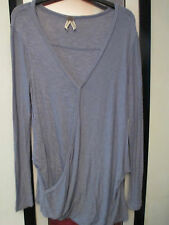 FREE PEOPLE knit top blue - gray size S,open look front w/snap