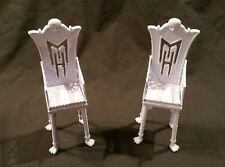 Mattel Monster High - Freaky Fusion Catacombs - White / Lavander Chairs