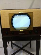 """Rca Victor 9-T-256 including the """"Antenna Table"""" Model 17 Std. Great quality."""