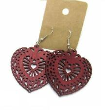 Markenlose Mode-Ohrschmuck aus Holz mit Herzen- & Liebe