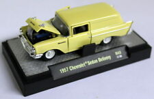 M2 Machines 1/64 SCALA R43 CHEVROLET Berlina consegna Pallido Yello Auto Modello Diecast