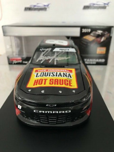AUTOGRAPHED RYAN PREECE #8 LOUISIANA HOT SAUCE * 1 of only 264  DIN#078  ACTION