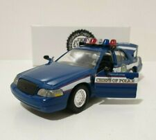 ROAD CHAMPS 1/43 Police 2000 Ford Crown Victoria Pennsylvania