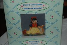 Snow White   Figurine, NEW, by Madame Alexander