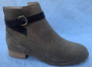 BNIB Clarks Ladies Netley Olivia Taupe Suede Ankle Boots