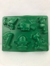 """Phineas And Ferb Jello Mold Disney 8""""x6"""" Characters Faces Molds"""