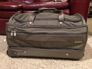 """Briggs & Riley Travelware 26"""" Wheeled Rolling Olive Upright Duffle Bag EUC"""