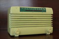 AIRLINE 25BR-1532 Chartreuse Bakelite AM Tube Radio (1952) - Stunning &Working
