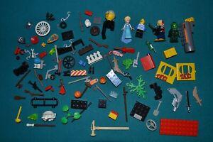 Kleines Konvolut LEGO Ersatzteile: Figuren, Waffen, Bausteine, allerlei Zubehör