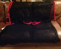 "Masta Anti Sweat Rug Self Bound Lambourne Black/Black 5'0"" Or Black/Red 5'3"""