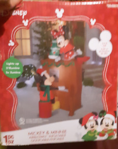 Gemmy Disney Mickey & Minnie Mouse Piano Christmas 7.5 Ft Airblown Inflatable