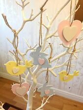 Hanging wooden Easter tree decorations x 6 (2 hearts, 2 chicks and 2 rabbits)